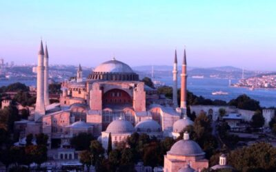 """Francisco """"muy afligido"""" por la reconversión en mezquita de 'Santa Sofía' de Estambul"""