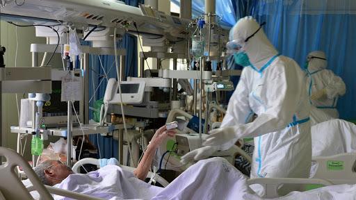 Pandemia: Argentina y Santa Fe alcanzaron récord propios de contagiados por Covid-19