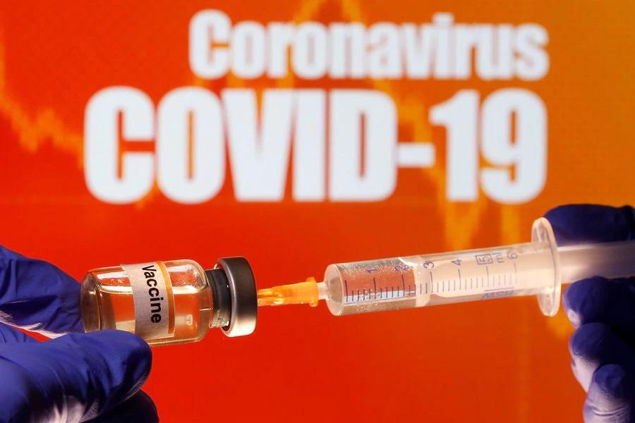 Coronavirus: Científicos pausan pruebas de la vacuna de Oxford por posibles efectos adversos
