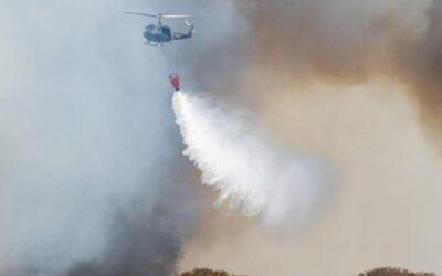 Puerto Gaboto: Brigadistas controlaron incendios que amenazaban viviendas de isleños