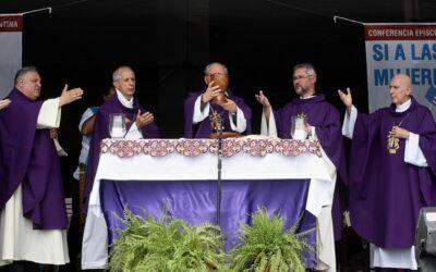 """La Conferencia Episcopal Argentina afirmó que """"la Iglesia no avala las tomas"""""""
