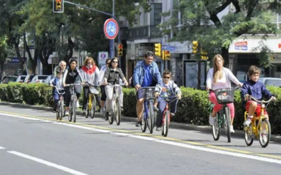 Las bicicletas, a raíz de la Pandemia, ganaron las calles y las ciclovías se extenderán a 190 Km. en Rosario