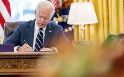 Coronavirus: Joe Biden, a diferencia de Trump, promulgó un billonario paquete de ayuda económica