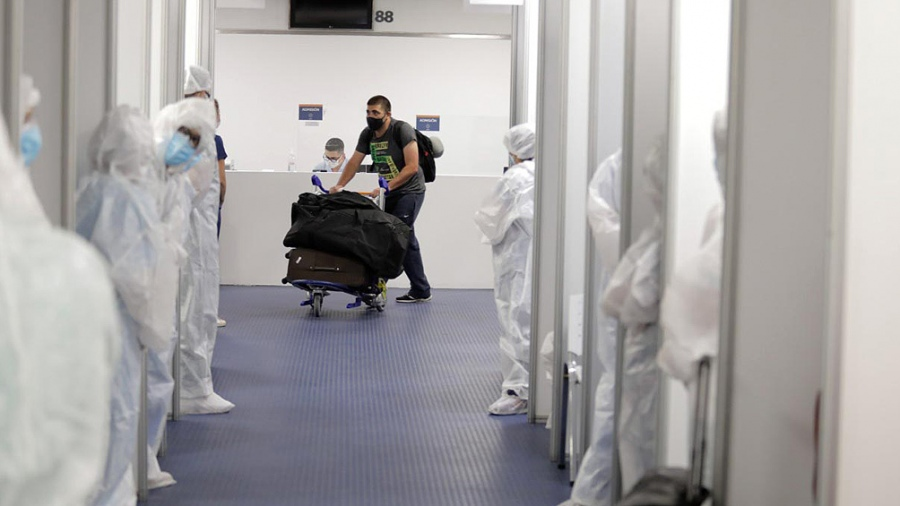 Argentina cierra sus aeropuertos a vuelos de Chile, Brasil y México por circulación de nuevas cepas de Coronavirus