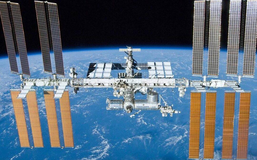Tres bacterias desconocidas fueron descubiertas en la Estación Espacial Internacional