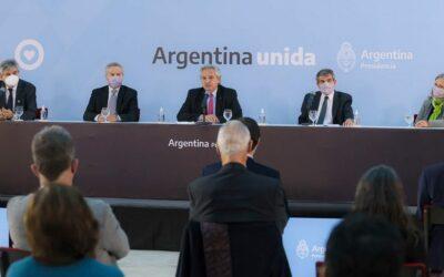 """Fernández afirmó que """"la diplomacia es la que debe llevarnos a recuperar"""" nuestras Islas Malvinas"""