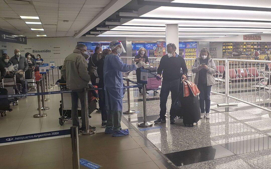 Detectaron otro caso positivo con la cepa Delta de Coronavirus en una viajera santafesina procedente de Estados Unidos