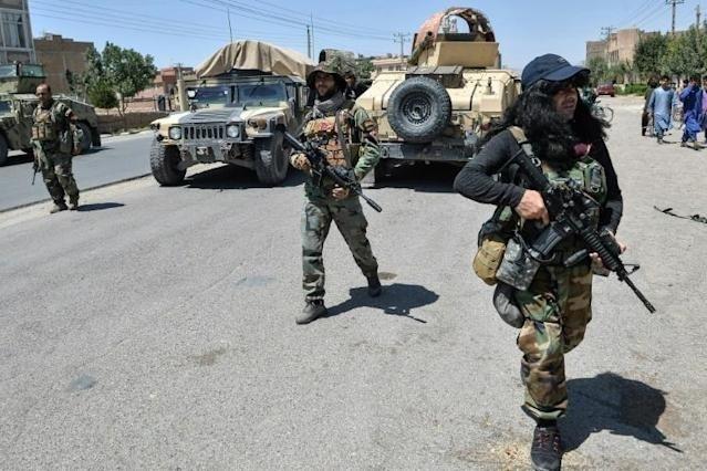 Tras capturar Mazar-i-Sharif, los talibanes ya buscan tomar Kabul, la capital afgana